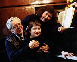 Л.Н. Наумов с дочерью и внуком Алексеем