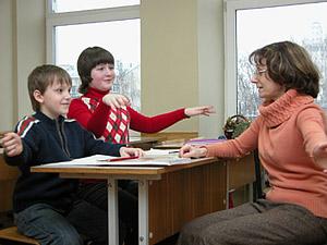 С.Ю. Лемберг ведет урок в школе «Лад» колледжа имени Гнесиных